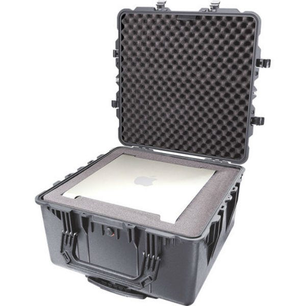 Pelican 1640 Transport Case with Foam - Black